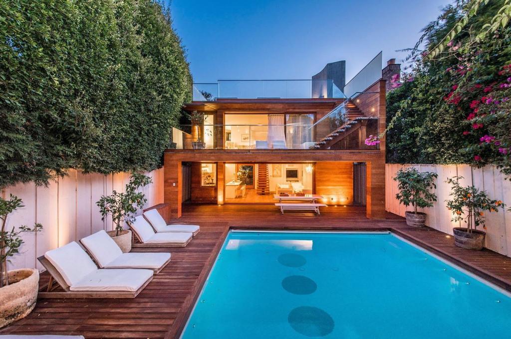 Megvált álomszép otthonától Pamela Anderson